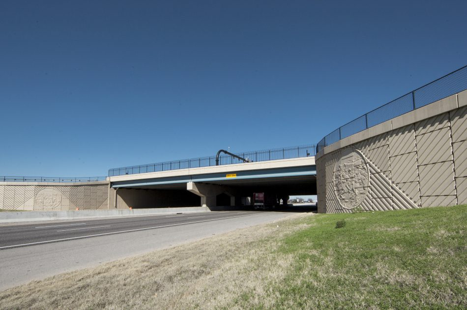 I-35 / Main Street Bridge